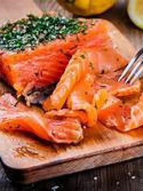 Gravelax de saumon mariné a l'aneth