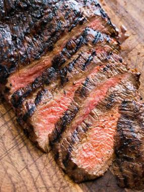 Steak mariné à l'ail des Ours